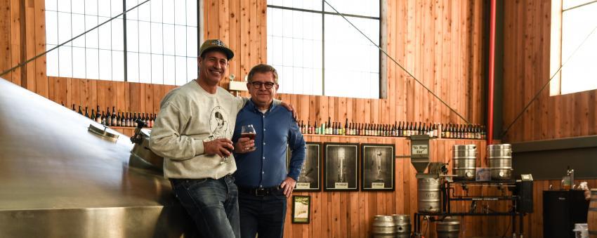 Sam & Rudi in the brewhouse