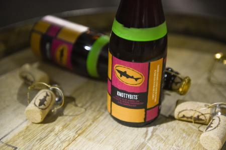 knotty-bits-bottle-7.jpg